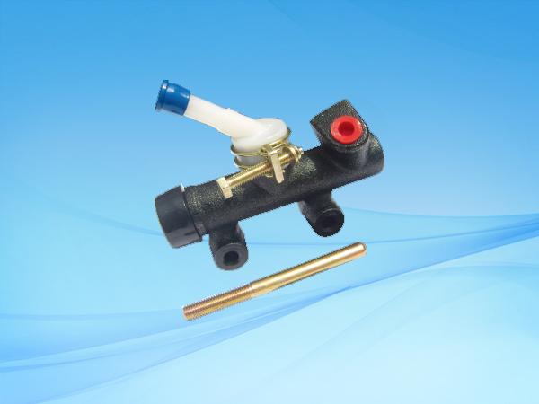 LJ1041(五十铃)离合总泵