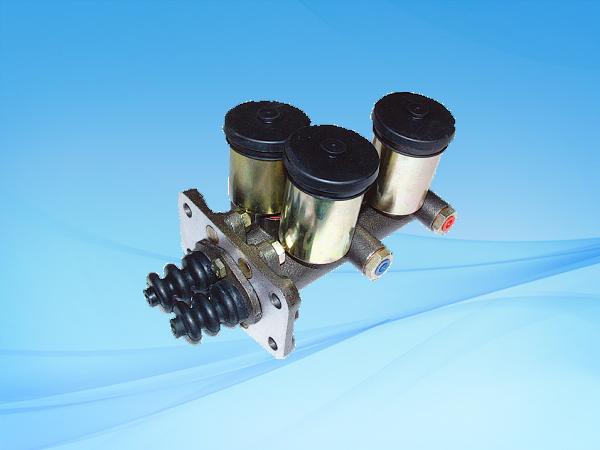 1049 BJ121双管路制动总泵