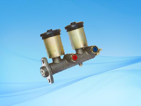 1048 BJ121(改卡)制动总泵