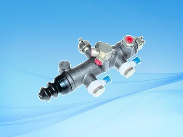 1025 BJ130双管路制动总泵