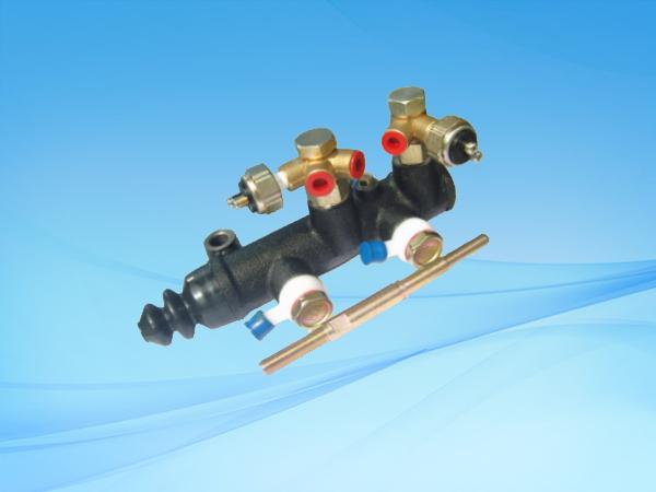 BJ130B2双管路制动总泵