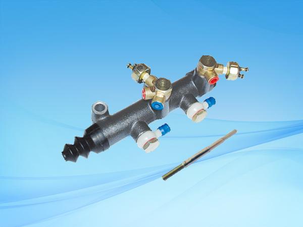 BJ130A双管路制动总泵