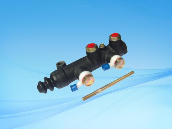 1033 BJ130J2双管路制动总泵